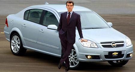 Chevrolet Vectra y Pierce Brosnan - Montaje: Cosas de Autos