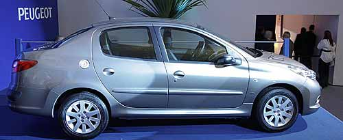 Nuevo Peugeot 207 sedán. - Foto: revista Carro