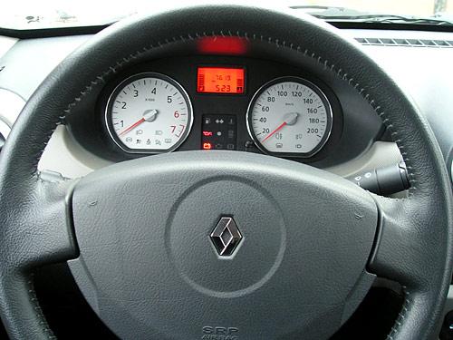 Tablero del Renault Sandero Luxe - Foto: Cosas de Autos Blog
