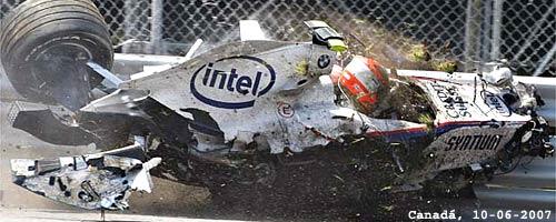 Kubica se accidenta en el GP de Canadá 2007 (AP).
