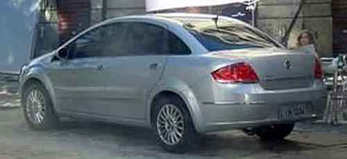 Fiat Linea fotografiado en la filmación de su comercial . Foto: QuatroRodas