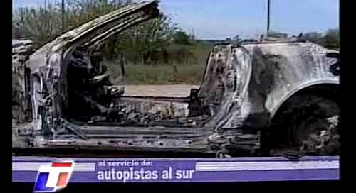 Auto quemado de Guillermo Cañas - Foto: Imagen de TV