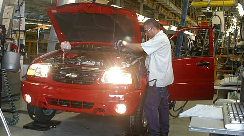 Suzuki Grand Vitara o Chevrolet Tracker en la planta de GM en Rosario. Foto: Prensa GM
