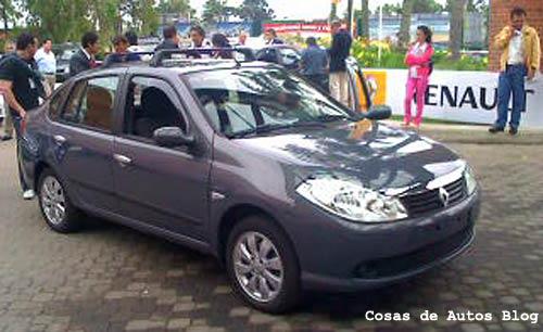 Renault presentó el Symbol a sus concesionarios
