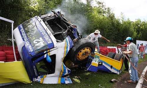 Así quedó el camión de Gastón Mazzacane tras volcar en Guaporé - Foto: Formula Truck