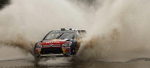 Loeb salpica en el rally de Argentina.