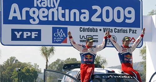 Loeb-Elena en el podio cordobés.