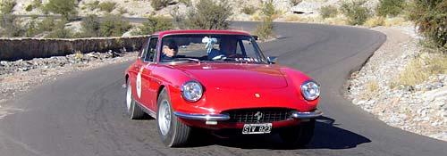 """Rally de clásicos """"Camino del Sol"""": ganó una Ferrari de 1967"""