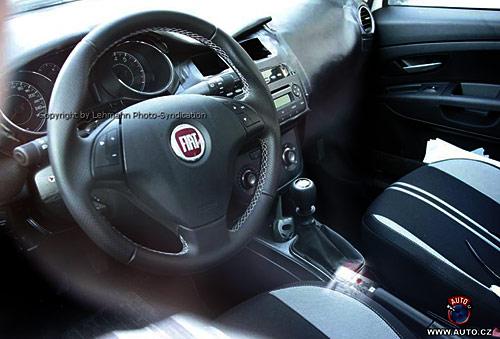 Cambios en el interior del Fiat Punto - Foto: Auto.cz