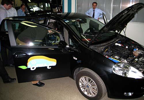 El prototipo Topmacs sobre un Fiat Punto - Crean aire acondicionado a partir del calor del motor.