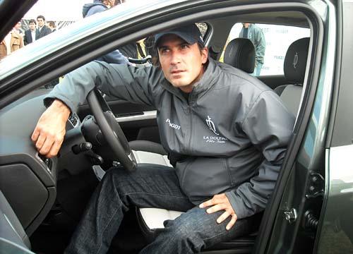 Adolfo Cambiaso en su 307 La Dolfina personalizado.