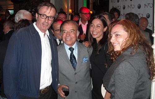 Carlos Menem en la presentación del MiTo - Foto: Cosas de Autos.