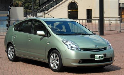 El Prius de segunda generación con el que se moviliza el presidente de Toyota Argentina, Aníbal Borderes.