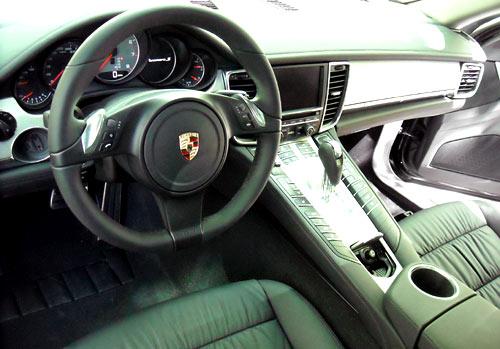 Interior del Porsche Panamera.
