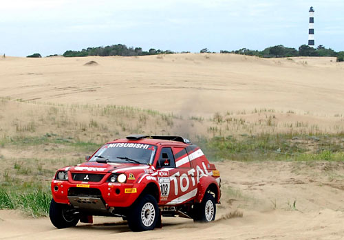 Andrés Memi y su Mitsubishi L200 Sport en Gesell.