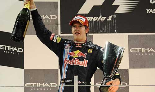 Sebastian Vettel en el podio de Abu Dhabi