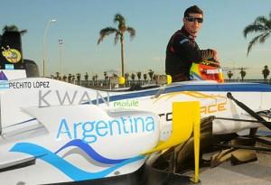 Pechito se preparó en un auto de F3 sudamericana - Foto: Prensa J.M. López