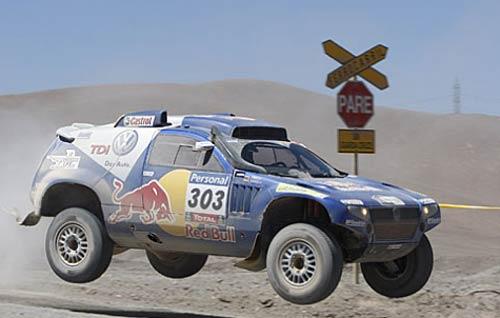 Carlos Sainz sigue al frente promediando el Dakar 2010 - Foto: Prensa Dakar