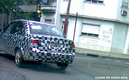 Chevrolet Corsa Classic camuflado por Rosario - Foto: Fernando P. para Cosas de Autos Blog