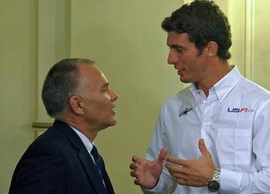 Windsor y López conversan en Casa Rosada. Corría el 25 de enero y todo era alegría.