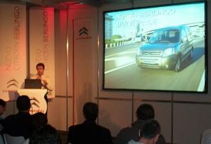 Diego Pizzichini habla acerca de las novedades de la Berlingo. Foto: Cosas de Autos
