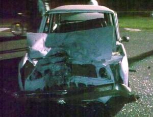 Así quedo el Fiat 128 tras el choque con la moto.