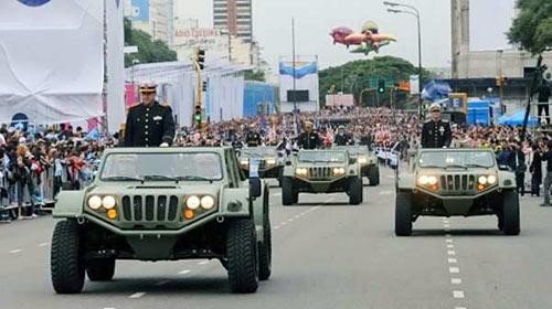 El Gaucho en la apertura del desfile militar del Bicentenario.