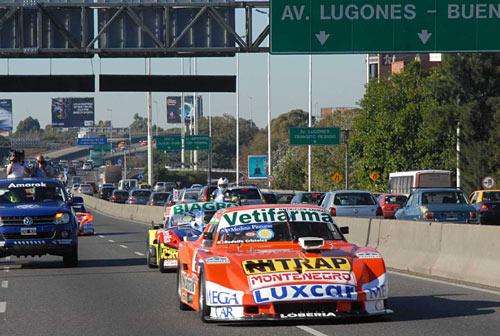 El Dodge de TC de Pinchito Castellano por la Gral. Paz en el cierre del GP del Bicentenario. Foto: ACTC.