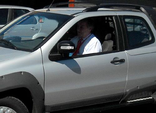 Cristiano Rattazzi, presidente de Fiat Argentina, al volante de la Strada Doble Cabina. Foto: Cosas de Autos Blog