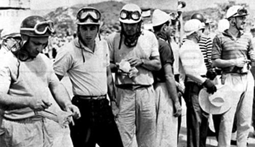 El Marqués de Portago junto a Fangio.