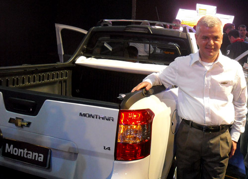 Sergio Rocha junto a la Montana.