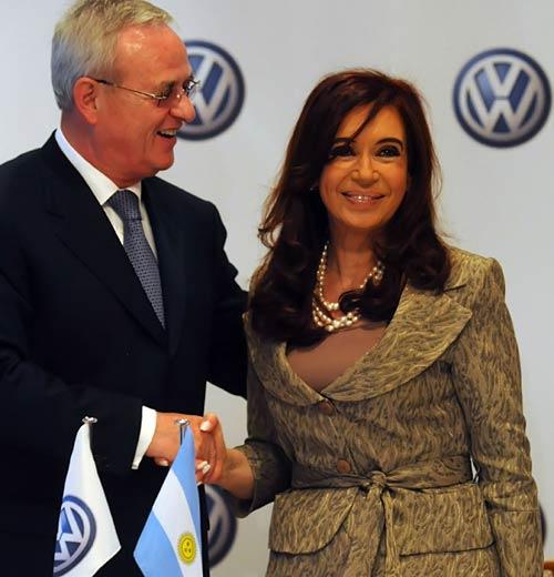 El presidente de Volkswagen Internacional, Martin Winterkorn y la presidenta de la Nación, Cristina Fernández. Foto: Presidencia