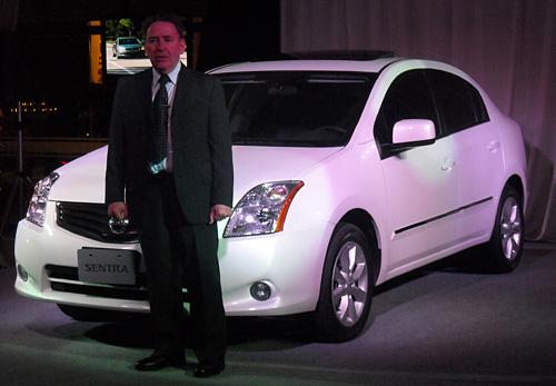 Carlos Sucasas en la presentación del Nissan Sentra - Foto: Cosas de Autos Blog
