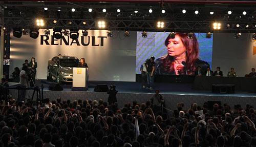 Cristina Fernández en el lanzamiento industrial del Fluence.