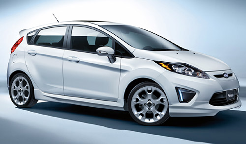 Ford Fiesta Kinetic Design accesorizado