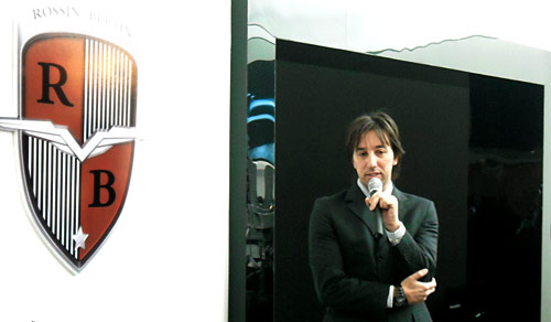 Fharys Rossin, creador del Vorax. Foto: Cosas de Autos Blog
