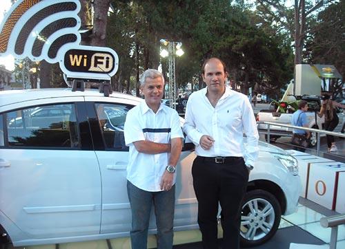 Sebastián Valverde de Google Argentina junto a Sergio Rocha, presidente de GM Argentina.
