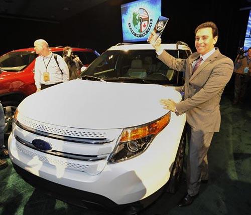 Ford Explorer ganó como Camioneta del Año 2011 en el Salón de Detroit.