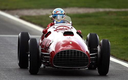 Fernando Alonso sobre la Ferrari 375 que ganó en 1951.