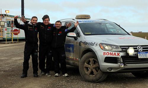 Zietlow, Fernández y Biela al llegar a Deadhorse, Alaska.