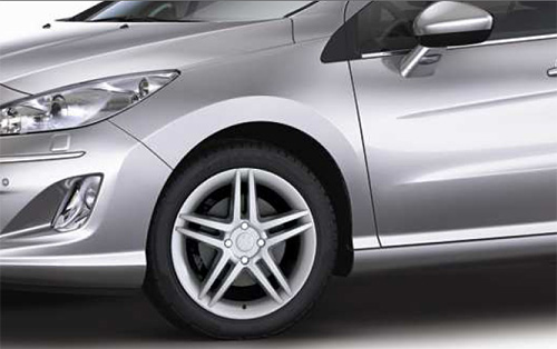 Peugeot 408 Sport