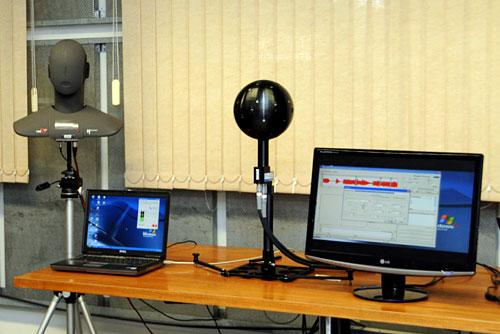 Parte del equipo utilizado en el laboratorio de ruidos.