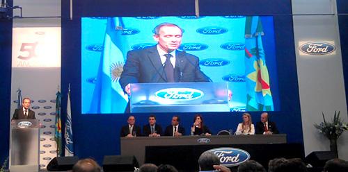 Enrique Alemañy en la inauguración de la nueva Planta de motores de Ford.