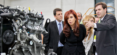 Ford presentó su nueva planta de motores