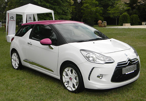 Citroën DS3 blanco y fucsia