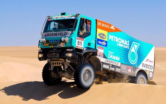 Gérard De Rooy ganó el Dakar 2012 con su Iveco.
