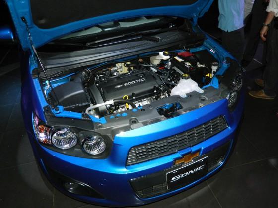 El motor del Chevrolet Sonic.