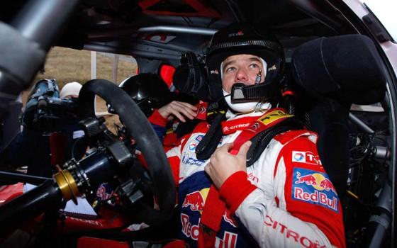 En su paso por Argentina, Loeb subastará su casco.