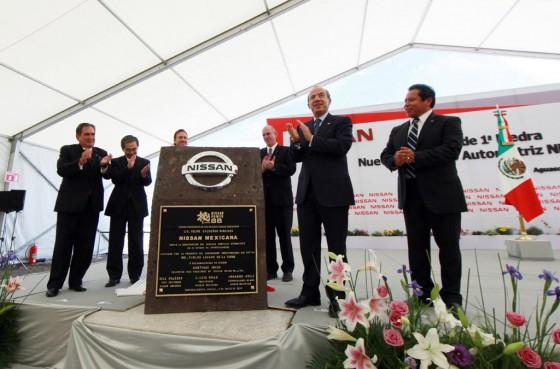 Colocación de la primera piedra de la nueva planta de Nissan en Aguascalientes, México.