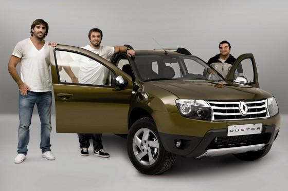 Tres Pumas, embajadores de Renault